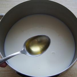 добавить подсолнечное масло в тесто